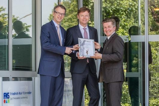 v.l.n.r. Christian Schroeder (FKS), Wolfgang Rocker (FKS), Detlef Kahrs (Wissensbilanz)